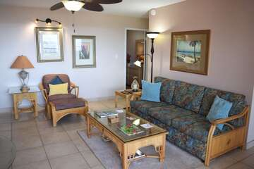 Plenty of seating in living area