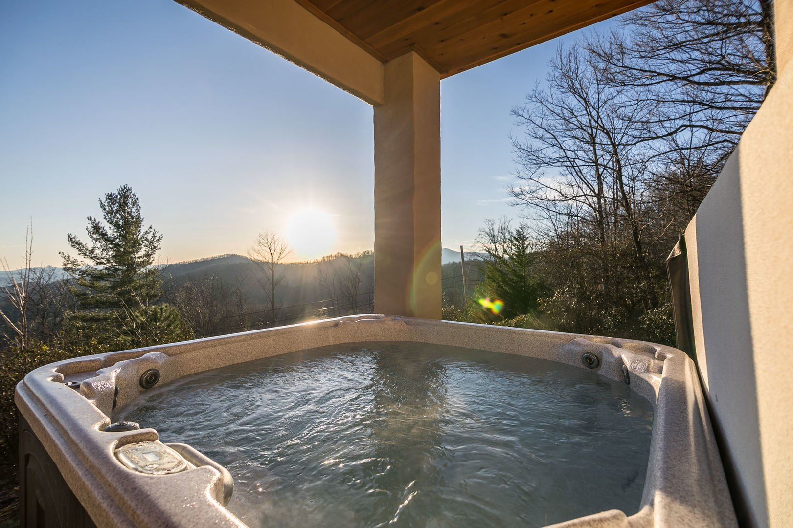 Hot tub on the lower deck