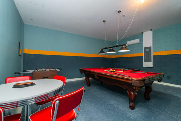 Games room (fully air conditioned) with table for 4