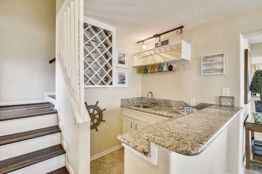 Reel Me In - wet bar off the living area is great for entertaining