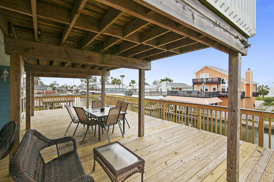 Reel Me In offers an expansive main-level balcony, partially covered and uncovered for the best of both worlds.