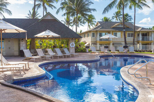 Kai Lani's Pool with Umbrellas and Lounge Chairs