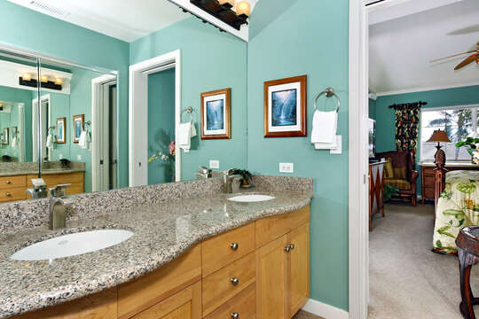 Tropical Themed Master Bathroom in our Oahu Vacation Rental
