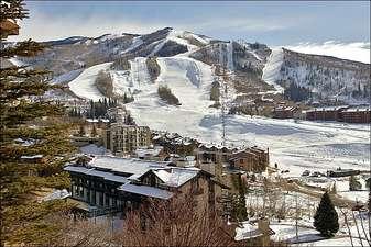 Ski Time Square 202 (202875-4545)