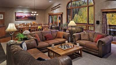 Creekside Chalet (202767-3951)