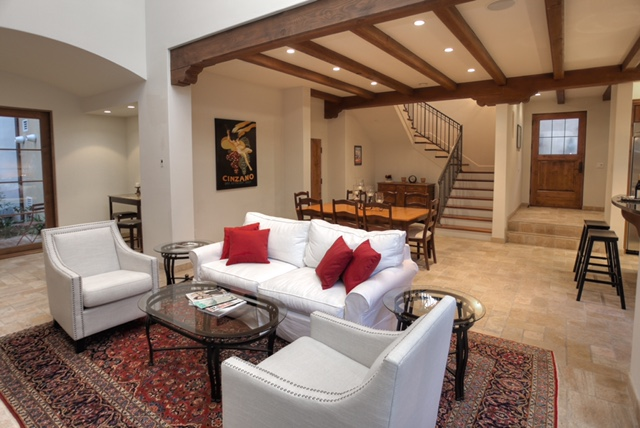 Spacious and contemporary living space!