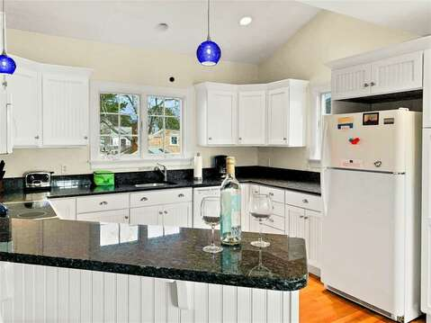 Breakfast bar and fully equipped kitchen - 24 Sea Mist Lane Chatham Cape Cod New England Vacation Rentals