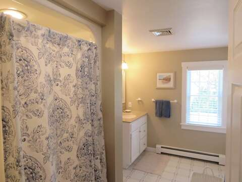 2nd floor bath -offers a stand up shower - 5 Sea Breeze Avenue Harwich Port Cape Cod - New England Vacation Rentals