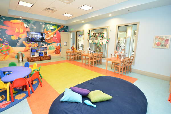 On-site facilities: Children's play room