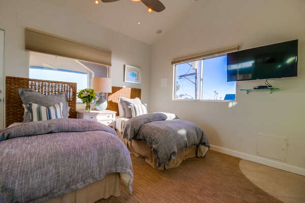 Bedroom with two Twin Beds and TV