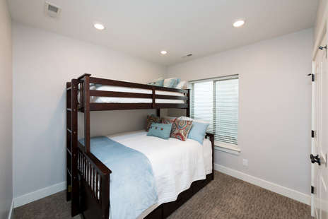 Queen bed with twin bunk with twin trundle