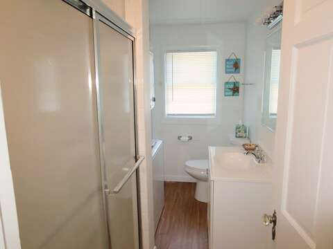Full bath off of the hallway- 41 Whip O Will Harwich Cape Cod - New England Vacation Rentals