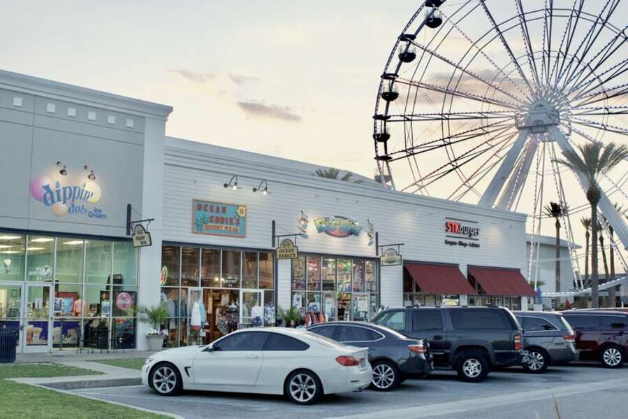 The Wharf, Orange Beach has Restaurants, AMC Movie Theater, Boutique Shopping, Entertainment and a Ferris Wheel!
