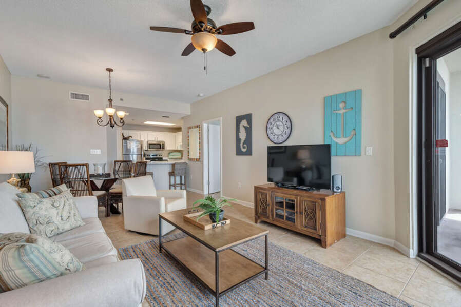 Spacious and Inviting Living and Dining Areas with Comfortable Seating