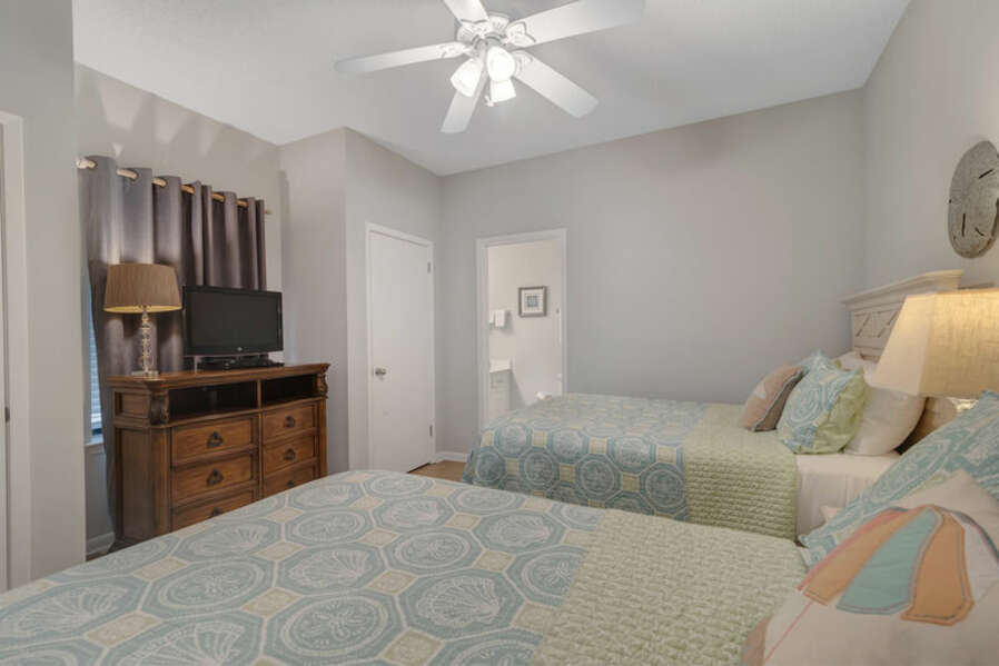 Guest Bedroom with 2 Full Size Beds and Private Bath