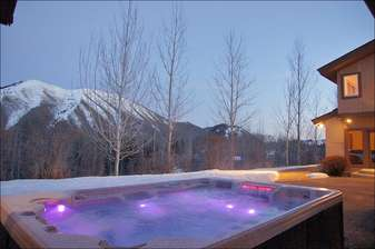 The extra large hot tub has a spectrum of lighting options