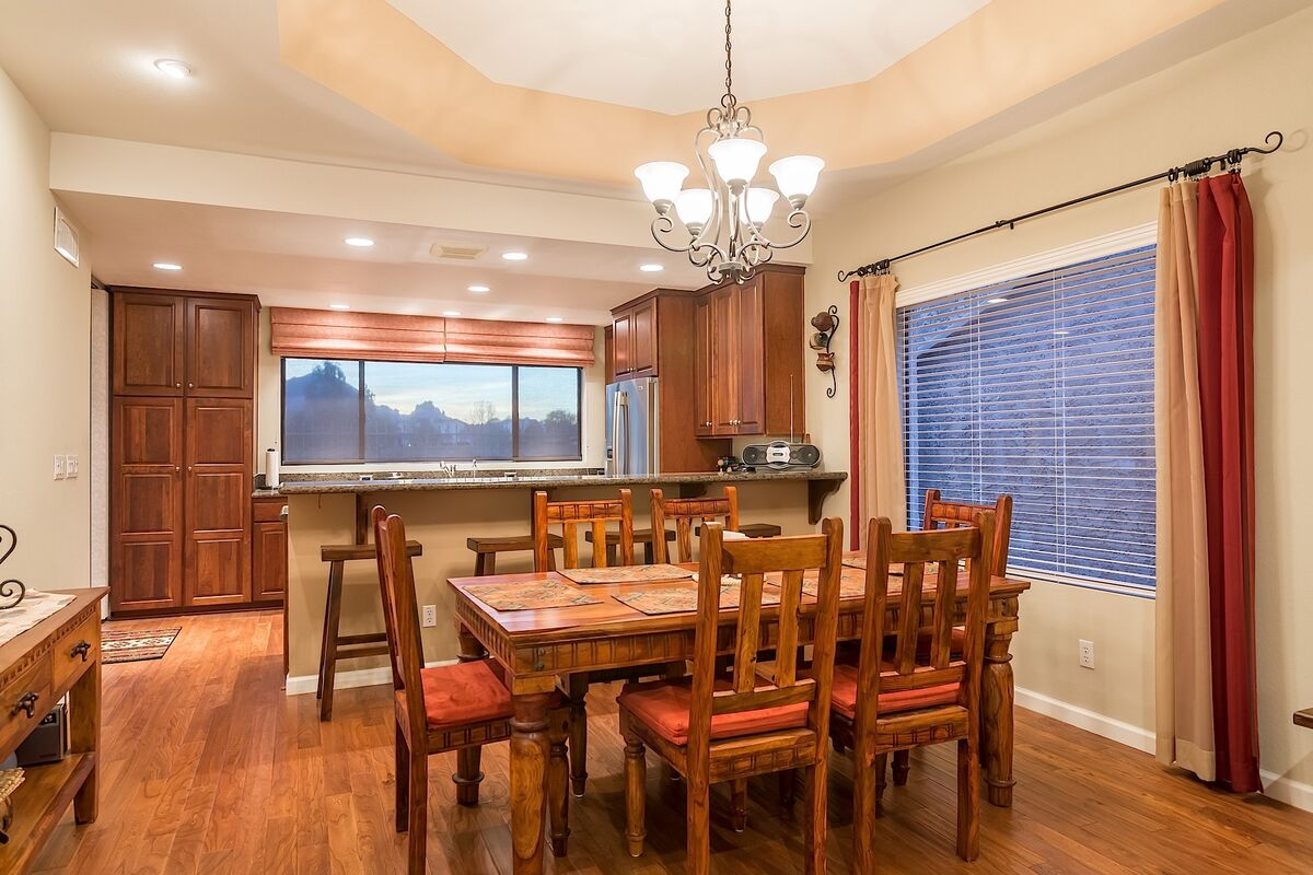 Dining with Views of Camelback Mountain