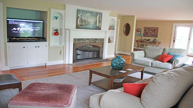 Large Screen TV and WIFI 160 Long Pond Drive Harwich Cape Cod - New England Vacation Rentals