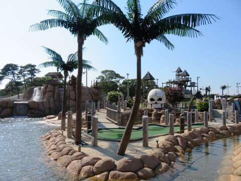 Just .6 tenths of a mile to Mini Golf at Skull Island! Yarmouth Cape Cod - New England Vacation Rentals
