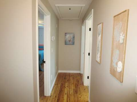 Hallway at the top of the landing - 9 Wilfin Road South Yarmouth Cape Cod - New England Vacation Rentals