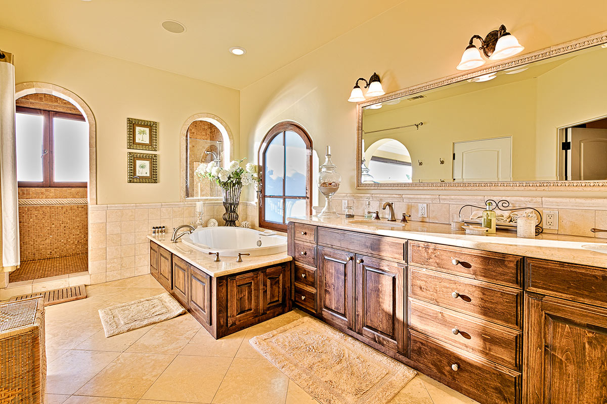 Double vanities and beautiful cabinets