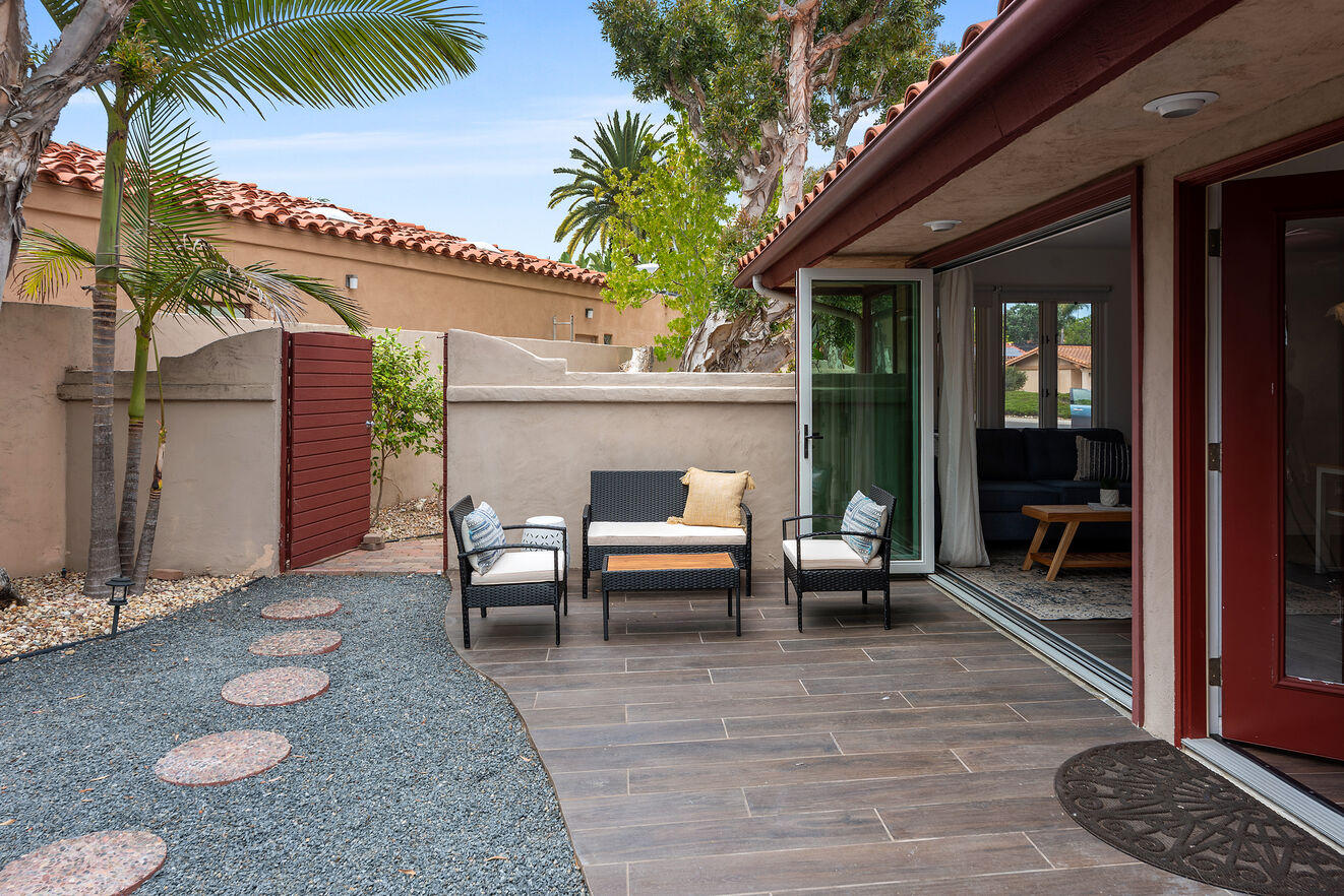 Casita with separate entry, Bedroom #7 with Queen size bed, full kitchen, dining table, patio, laundry and bathroom.