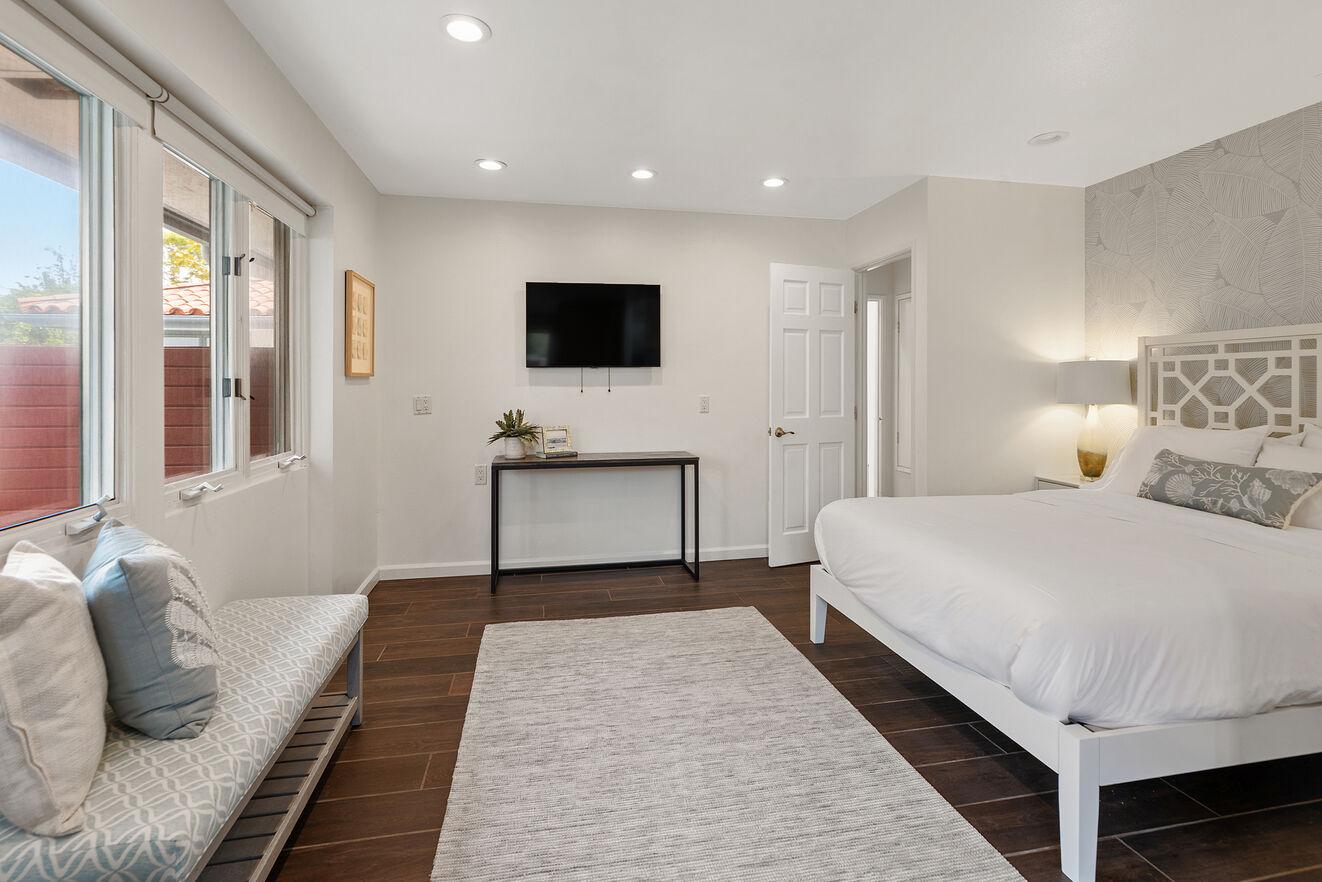 Bedroom #6 with Queen size bed