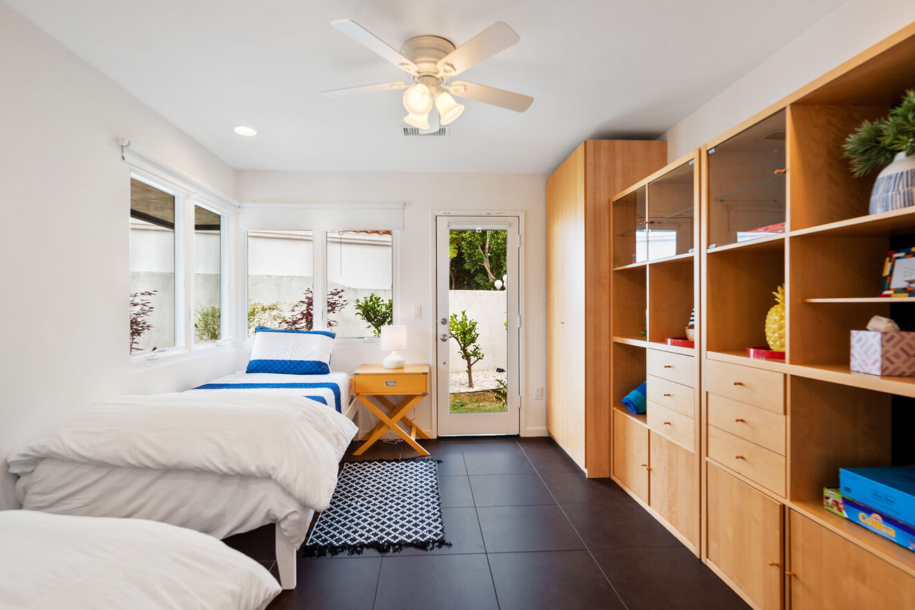 Bedroom #4 with 2 Twin size beds