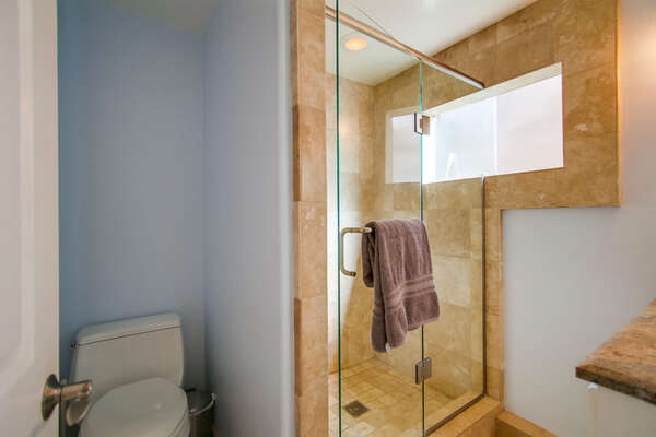 Master En Suite Bathroom in our Mission Beach San Diego Rental
