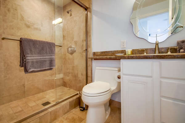 First Floor Bathroom in our Mission Beach San Diego Rental