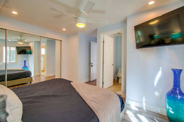 Master Bedroom, King Bed, TV, En Suite Bathroom on the Second Floor