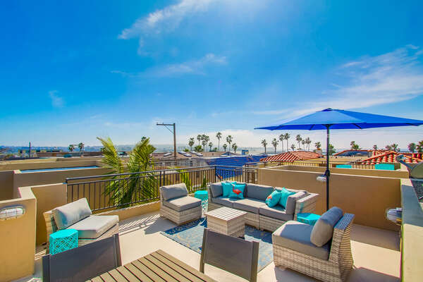 Rooftop Patio at our Mission Beach San Diego Rental - ASBURY715C