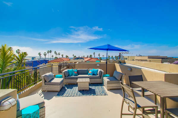 Fully Furnished Rooftop Patio with Great Views
