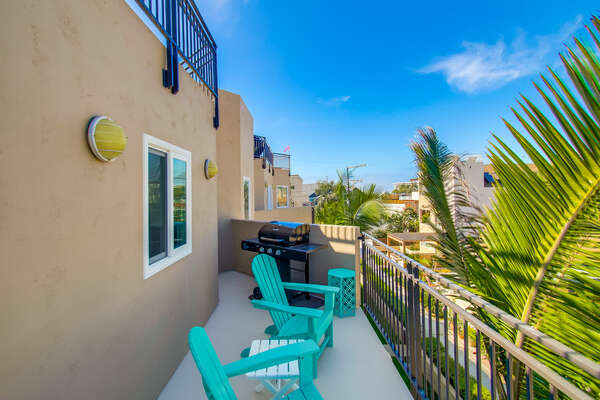Third Floor Balcony with BBQ & Outside Seating at our Mission Beach San Diego Rental