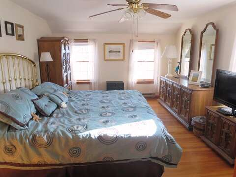 2nd floor bedroom - King -with flat screen TV- 180 Hardings Beach Road Chatham Cape Cod - New England Vacation Rentals