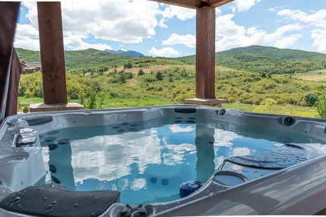 Private Jacuzzi with Mountain Views