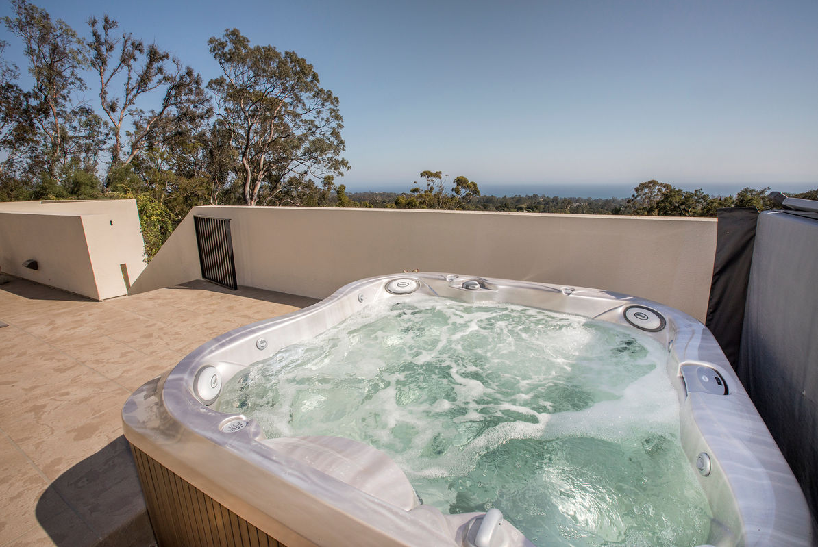 Unwind with the Pacific in view