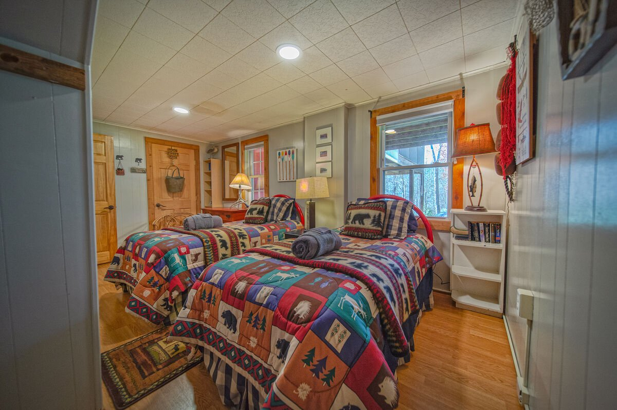 Image of Double Twin Beds in Bedroom.