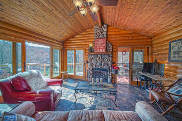 Large Living Room in Smith Mountain Lake Cabin Rental.