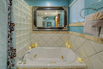 Sink into the jetted garden tub to sooth tired muscles after a thrilling day on hiking trails or golf course.