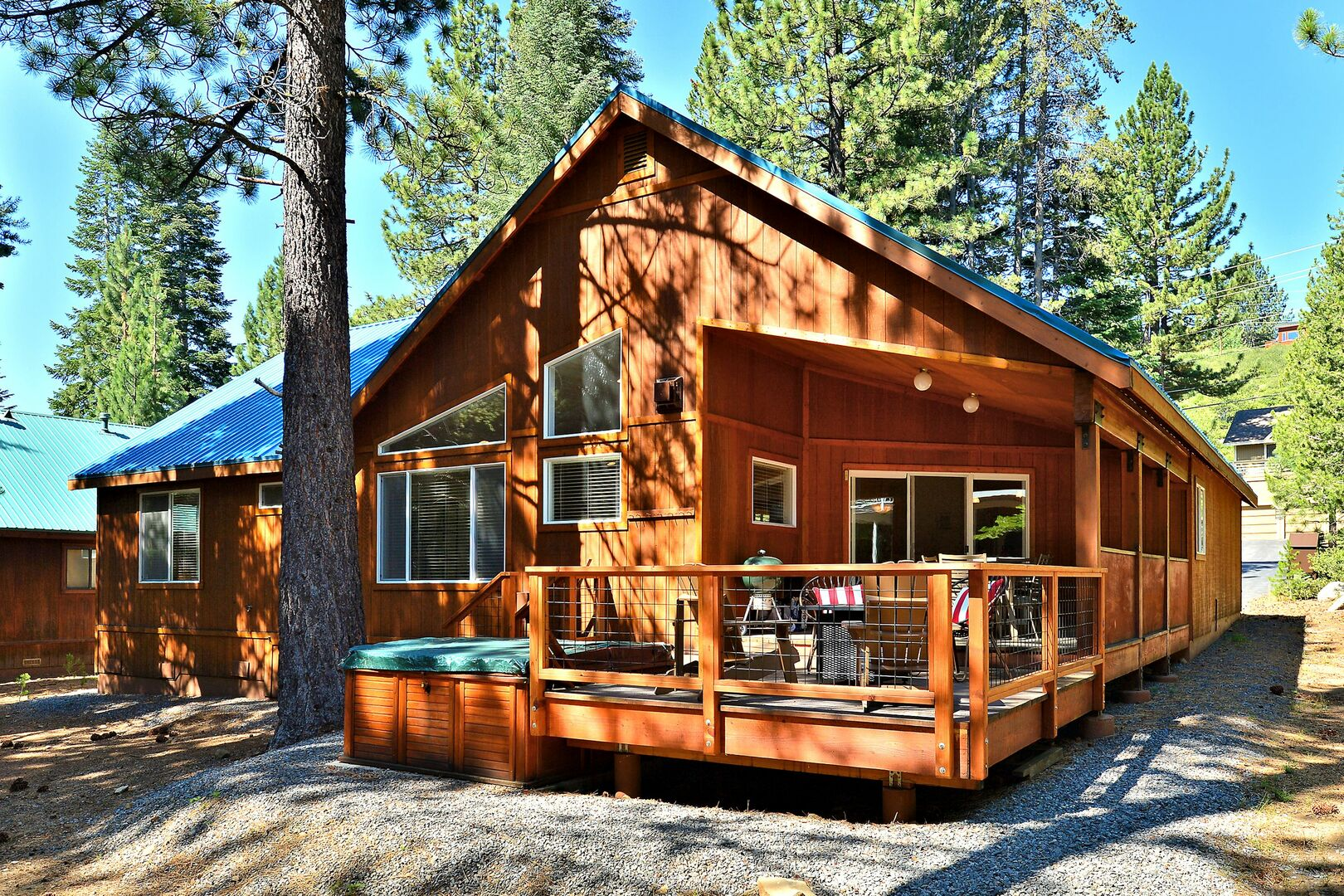 Back view of this North Lake Tahoe Cabin