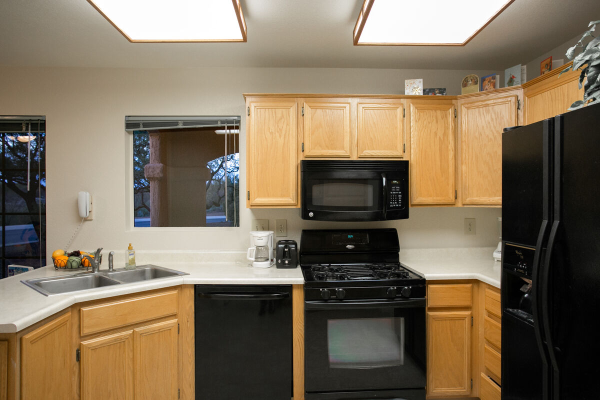 Kitchen showing oven/range/microwave