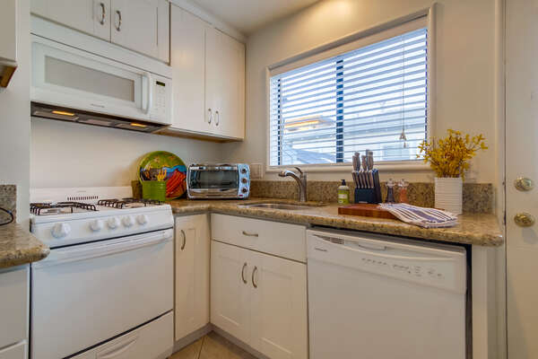 Whip Up a Meal for the Whole Family in our Mission Beach Rental in San Diego