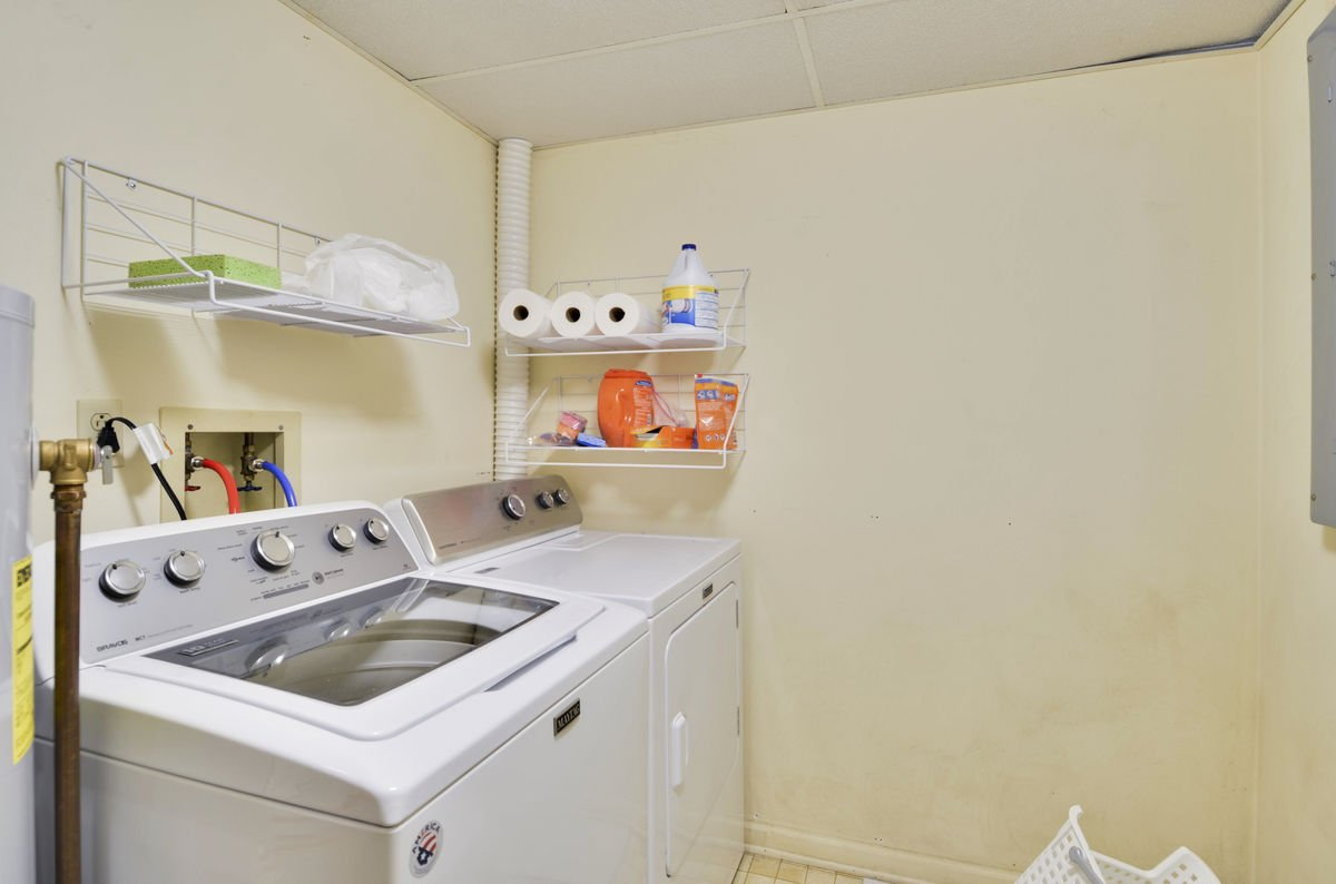 washer / dryer room lower level