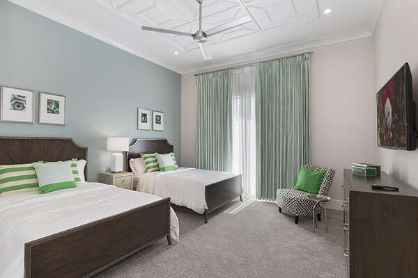 Master Suite 8 has two full beds.