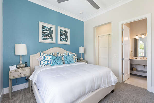 Master suite 5 with king size bedroom and en-suite bathroom.