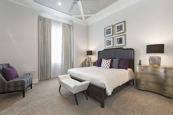 Master Suite 1 with king size bed and en-suite bathroom located on the first floor.