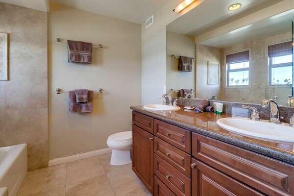 Master Ensuite Bathroom, Dual Vanities, Separate Shower & Tub