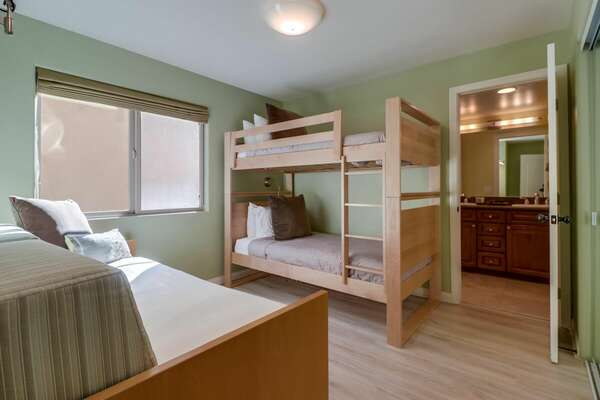 Bunk Bedroom - Twin/Twin Bunk with Twin Daybed + Twin Trundle - 2nd Floor