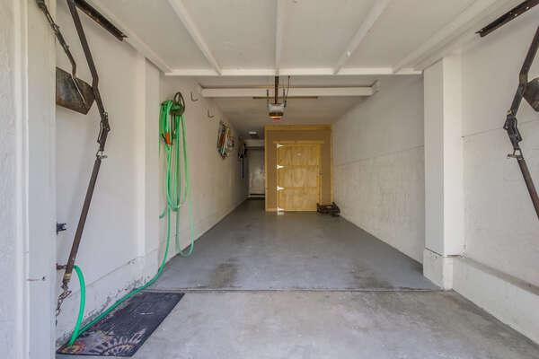 1 car garage - Dimensions: 6'8H x 8'11W x 20'0D